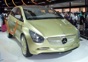 Mercedes-Benz BlueZero E-Cell. By Thomas doerfer (Own work) [CC BY 3.0], via Wikimedia Commons