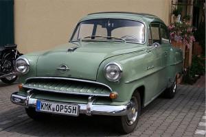 Opel Olympia Rekord (1953–1957). [CC-BY-SA-3.0], via Wikimedia Commons