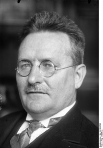 Paul Löbe (1924). Bundesarchiv, Bild 102-01053A / CC-BY-SA 3.0 [CC BY-SA 3.0 de], via Wikimedia Commons