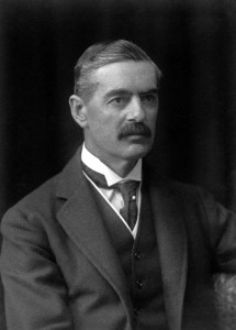 Britischer Premierminister Neville Chamberlain. By Walter Stoneman [Public domain], via Wikimedia Commons