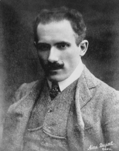 Arturo Toscanini (1908). By Aime Dupont Studio, which was a well-known New York photographic studio, see here. Accordingly the United States is this photograph's place of origin. [Public domain], via Wikimedia Commons