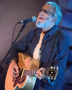Yusuf Islam / Cat Stevens (2015) - Bryan Ledgard [CC BY 2.0], via Wikimedia Commons